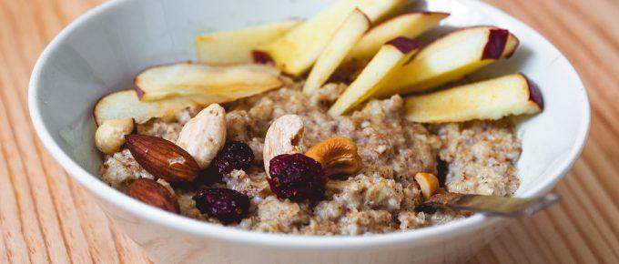 Porridge-con-manzana-y-frutos-secos